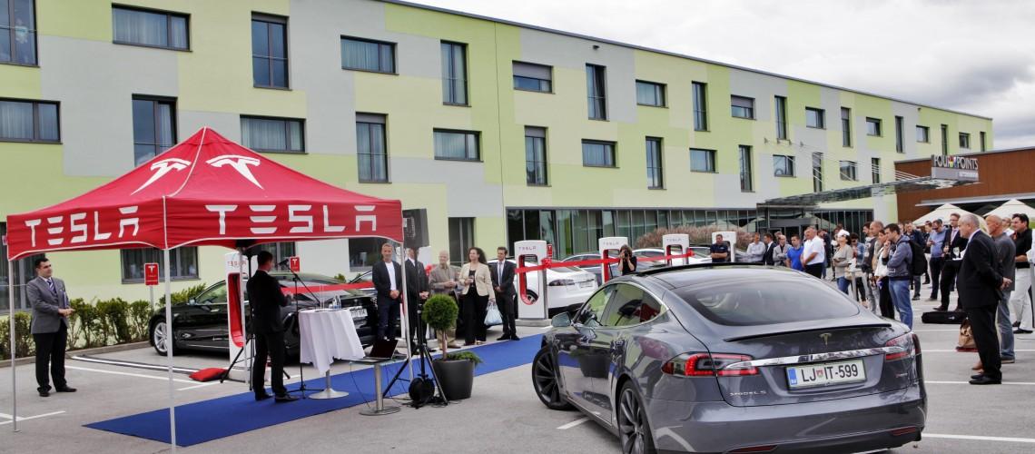 Otvoritev_Tesla_Superchargerjev